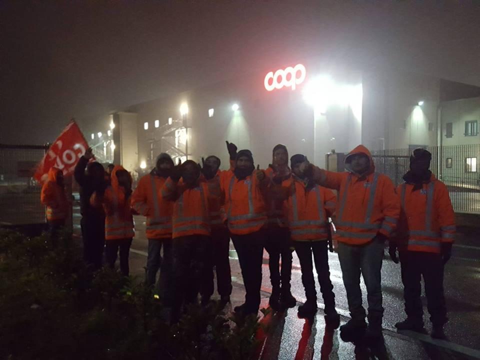 [TORINO] Coop: protestano gli operai Clo, indietro non si torna!