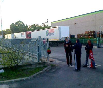 Susa di Crespellano (BO) sciopero degli operati della logistica col SI Cobas
