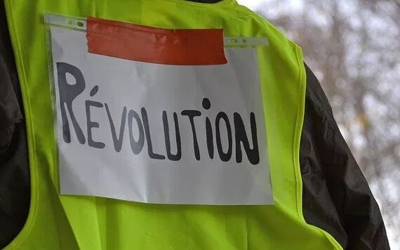 [INTERNAZIONALISMO] Solidarietà a voi lavoratori con i gilet gialli!